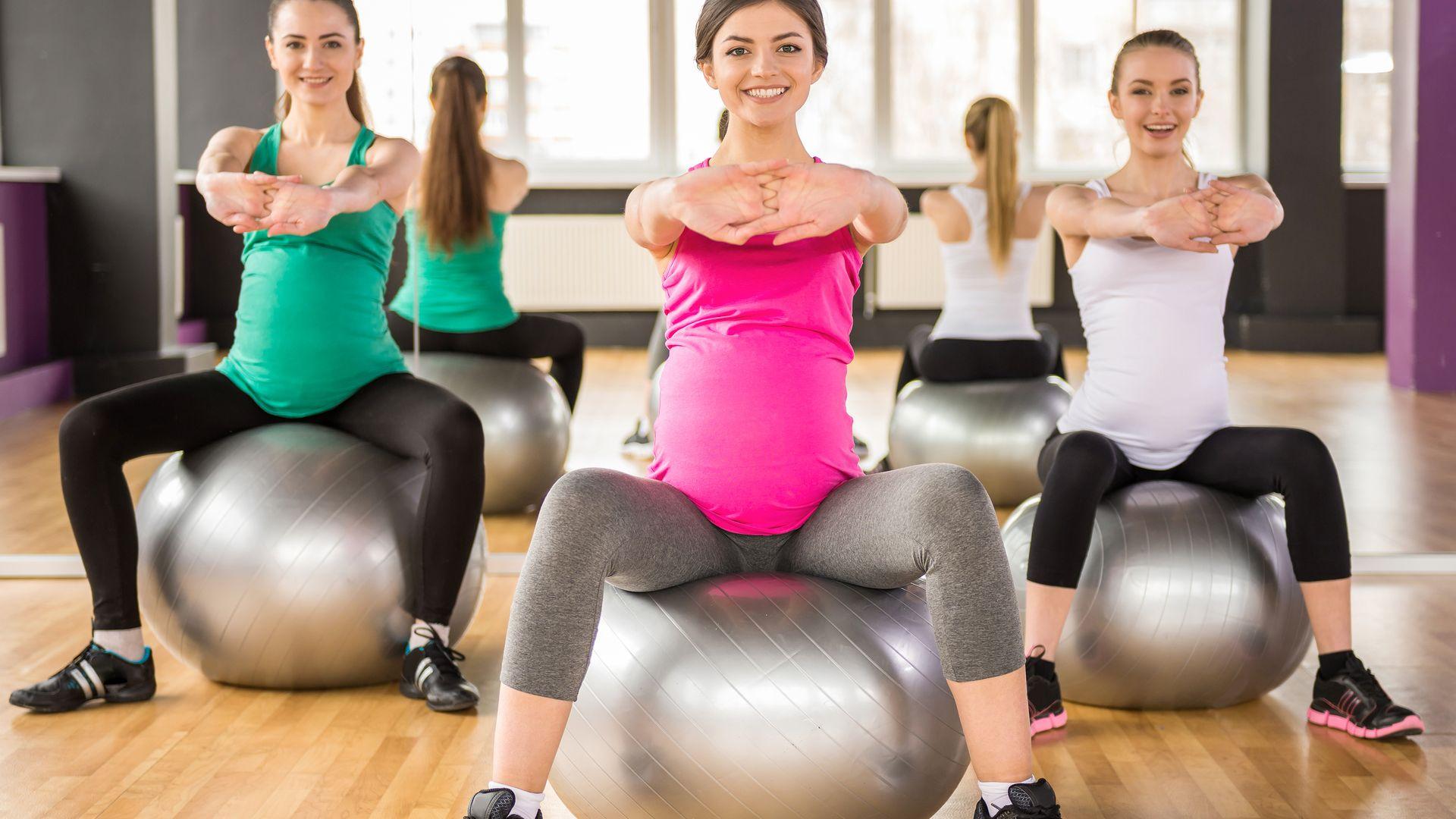 bigstock-Pregnant-Women-Fitness-89045711